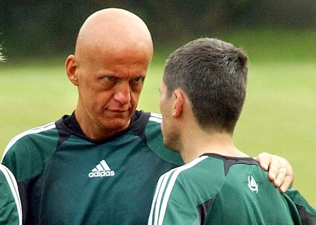 Focus sur l'ancien arbitre de football international Pierluigi Collina