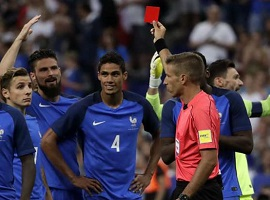 L'expulsion de Raphaël Varane lors de France/Angleterre a été assortie d'un pénalty