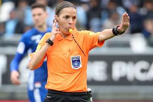 L'arbitre de football Stéphanie Frappart